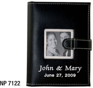 NP7122: Photo Album with Strap